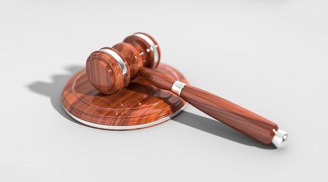 Czego musimy oczekiwać od trafnego prawnika?